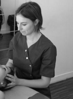 Séance ostéopathie femme Annecy